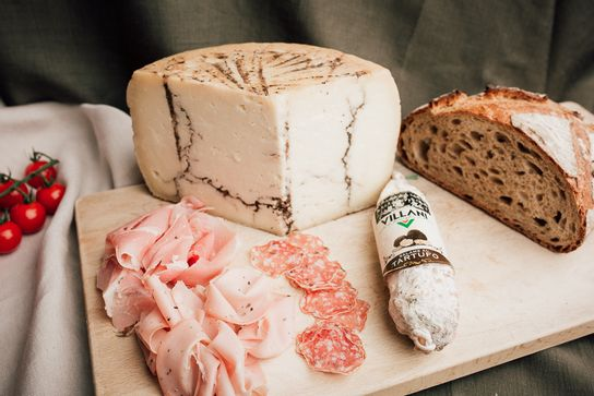 Plateau charcuterie & fromages - apéritif (au choix)