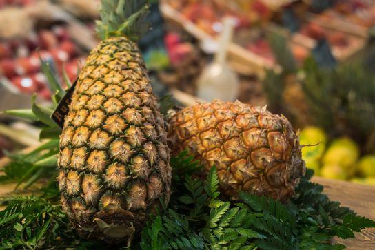 Ananas bouteille - avion