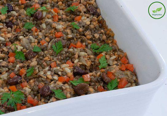 Moutzendra, Lentilles blondes, riz long, échalotes, olives