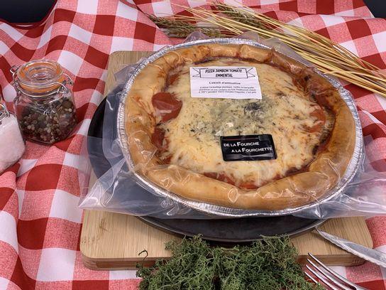 Pizza jambon tomate emmental