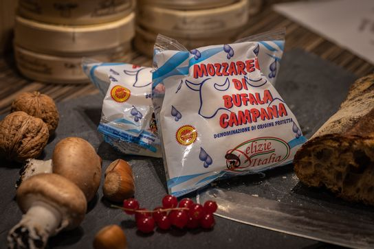 Mozzarella Di Bufala Campana Aop 250G